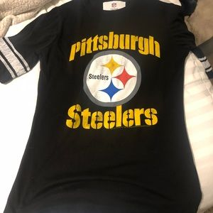 "NFL Pittsburgh Steelers tee ""vintage inspired"""